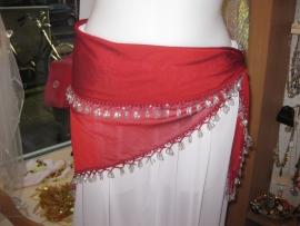 D26  Driehoeksjaal met zilverkleurige kralen rand. Sjaal is in diverse kleuren te krijgen.