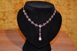 Halsketting met Swarovski kristallen, roze of blauw