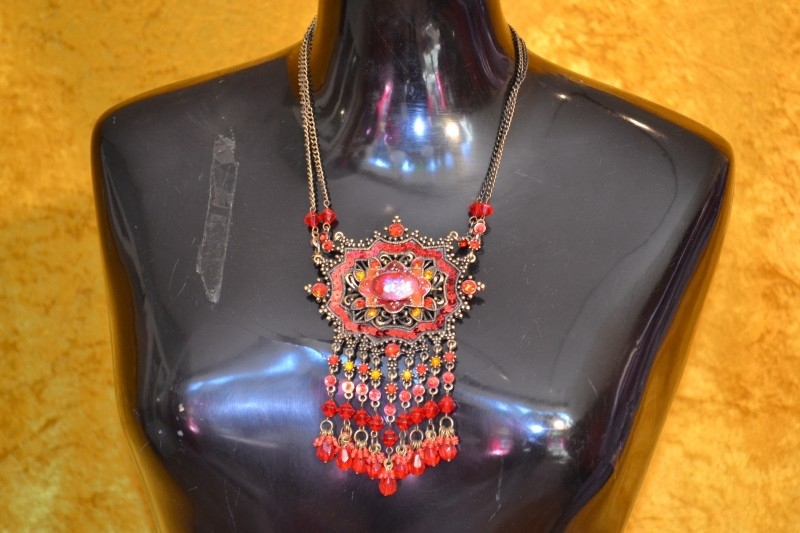 Halsketting rood ornament
