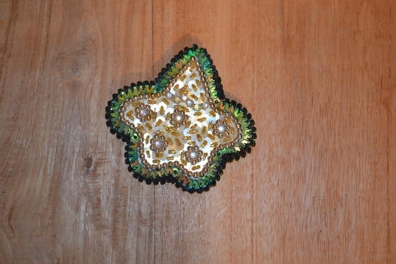 Applicatie, pentagram. Groen met goud