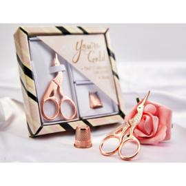 Borduurschaartje Ooievaar Rosé Goud met vingerhoed