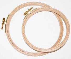 Borduurring hout 28 cm ( hoogte 8 mm )