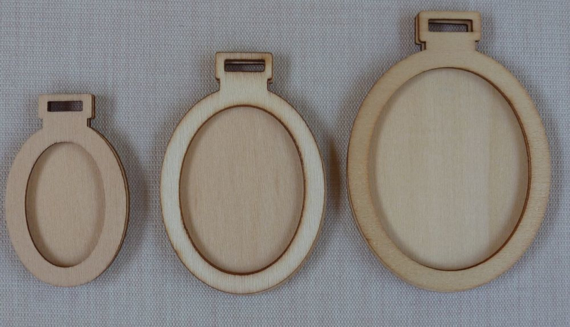 3 houten mini borduurhangers / lijstjes OVAAL