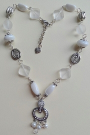 201312 Witte ketting