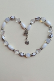 201339 Witte ketting