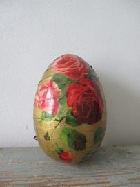 Antiek paasei ( candycontainer) SOLD