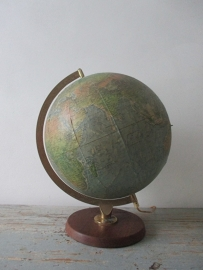 Globe / wereldbol lamp SOLD