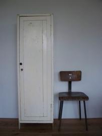 Industrieel houten lockertje SOLD