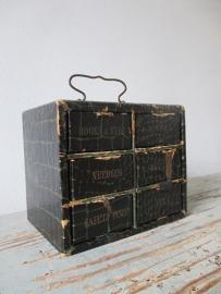 Antiek vakkenkastje / knopendoosje SOLD
