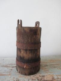 Zweeds houten vijzel / karnvat SOLD