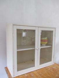 Oud keukenkastje / vitrinekastje SOLD