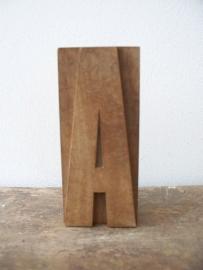 Oude houten letter A SOLD