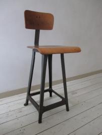 Oude industriele hoge stoel SOLD