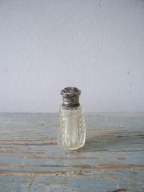 Zoutstrooiertje met zilveren dopje SOLD