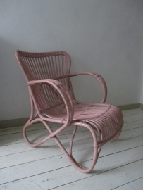 Oude rotan stoel rose SOLD