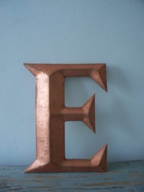 Industriele letter E SOLD