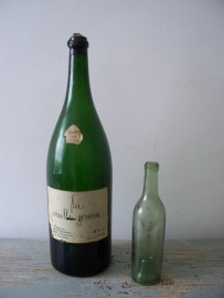 Grote oude champagnefles