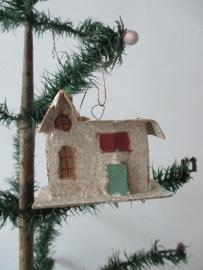 Oude kerstbal huisje met suikerglas SOLD
