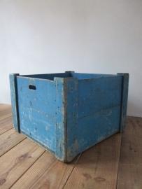Oud houten krat van de postbank SOLD