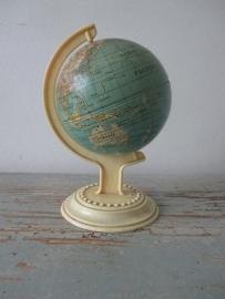 Globe / wereldbolletje  klein model