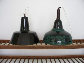 Industriele emaille  lamp SOLD