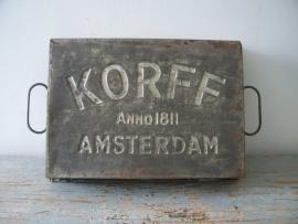 Oud chocolade bakblik SOLD