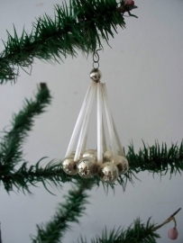 Oude antieke kerstbal / gablonz SOLD