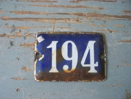 Oude emaille huisnummer NR 194 SOLD