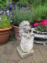 Oud Frans tuinbeeldje leeuw SOLD