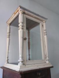 Antieke toonbank  vitrine SOLD