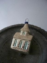 Oude antieke kerstbal /kerkje SOLD