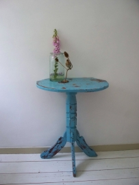 Shabby sidetable SOLD