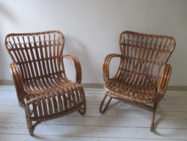 Oude rotan stoeltjes SOLD