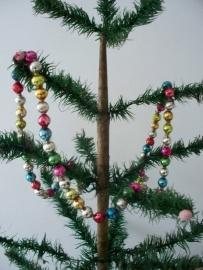 Antieke gekleurde glazen kerstsligers/kralen SOLD