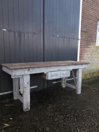 Oude industriele tafel / werktafel / werkbank XXL