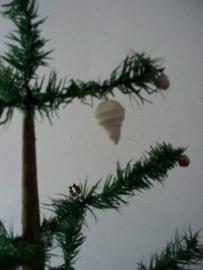 Oude ijspegel  / kerstbal watten xxs SOLD