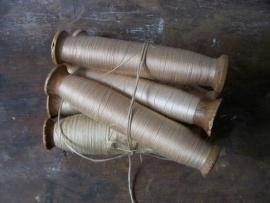 Antieke Franse klosjes garen SOLD