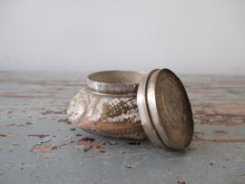 Antiek juwelendoosje in de vorm van een schelp SOLD