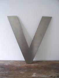 Grote industriele letter V SOLD