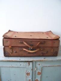 Oude linnen koffer