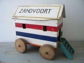 Oud speelhuisje / strandhuisje Zantvoort SOLD