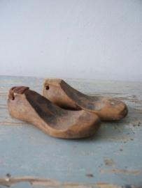 Oude Franse schoenmallen babyschoentjes SOLD