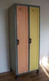 Oude houten locker (dubbel) SOLD