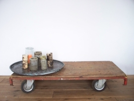 Industriele salontafel / fabriekskar SOLD