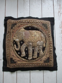 Kussen India olifant sold