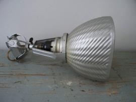 Industriele wandlamp van zilverglas SOLD