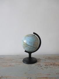 Globe / wereldbolletje  klein model SOLD
