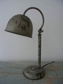 Industriele oude Franse bureaulamp SOLD