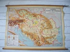 Oude schoolplaat landen rond de Donau