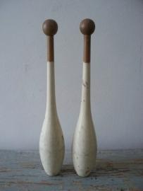 Oude houten kegels SOLD